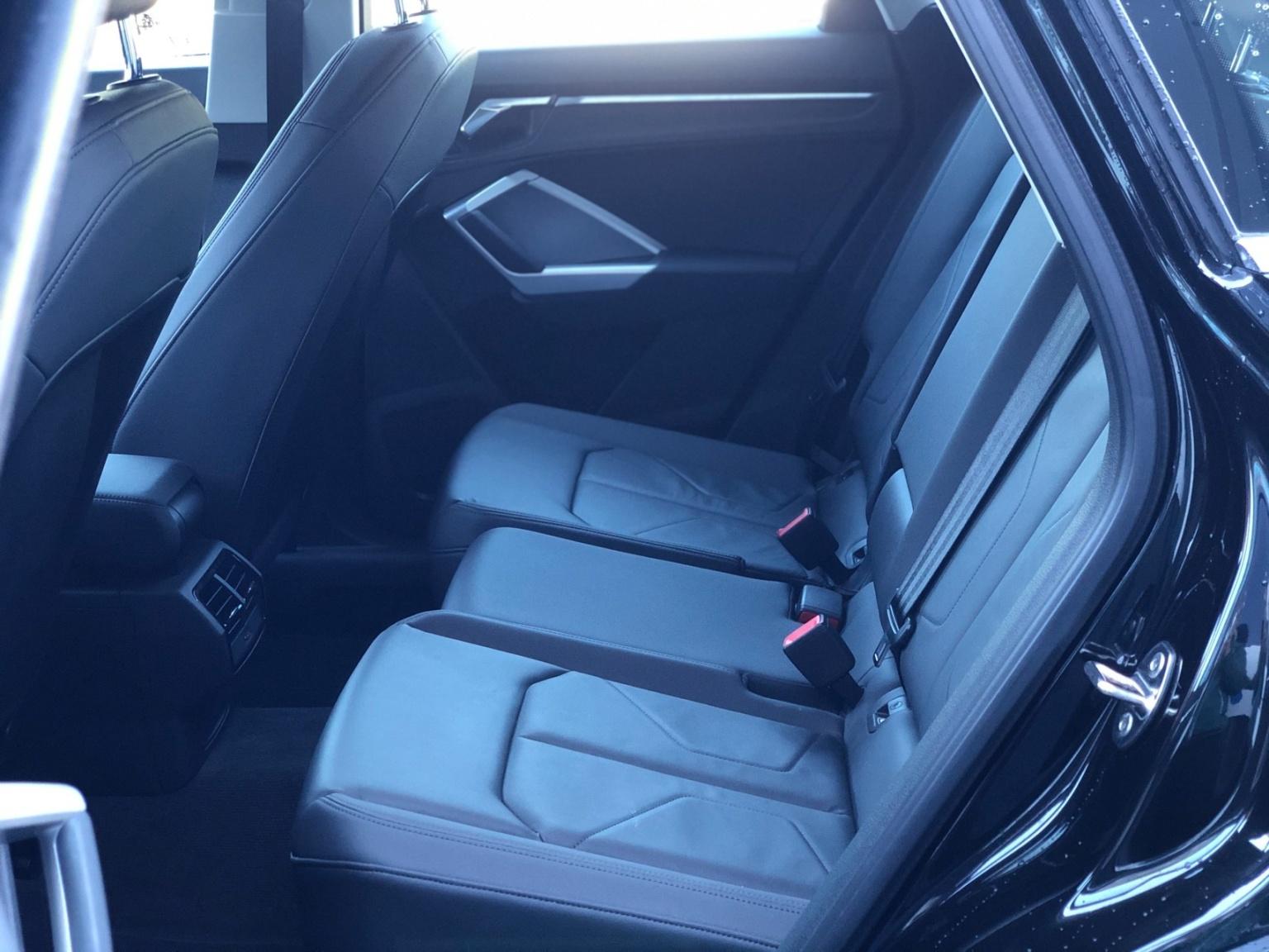 Audi-Q3-18