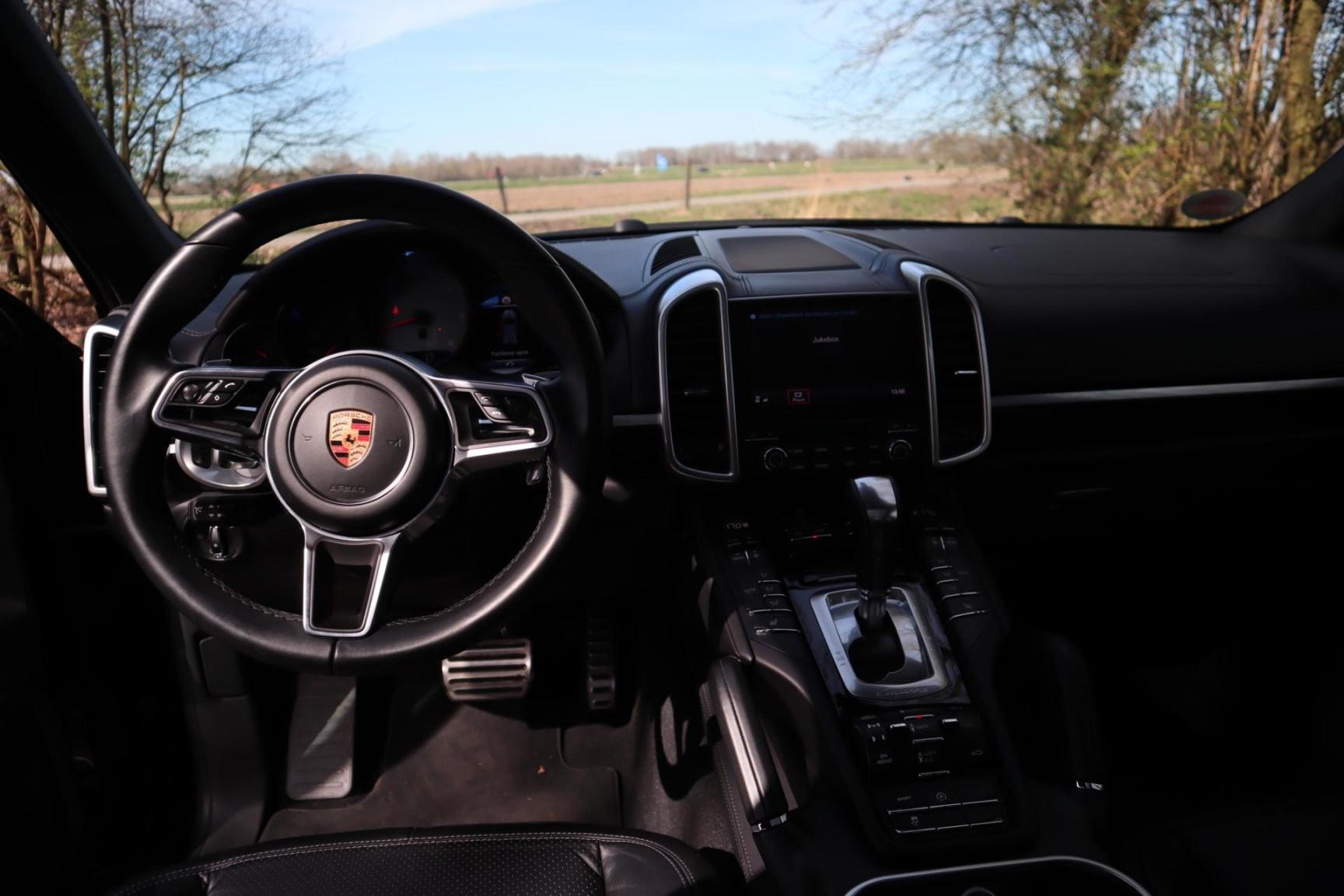 Porsche-Cayenne-22