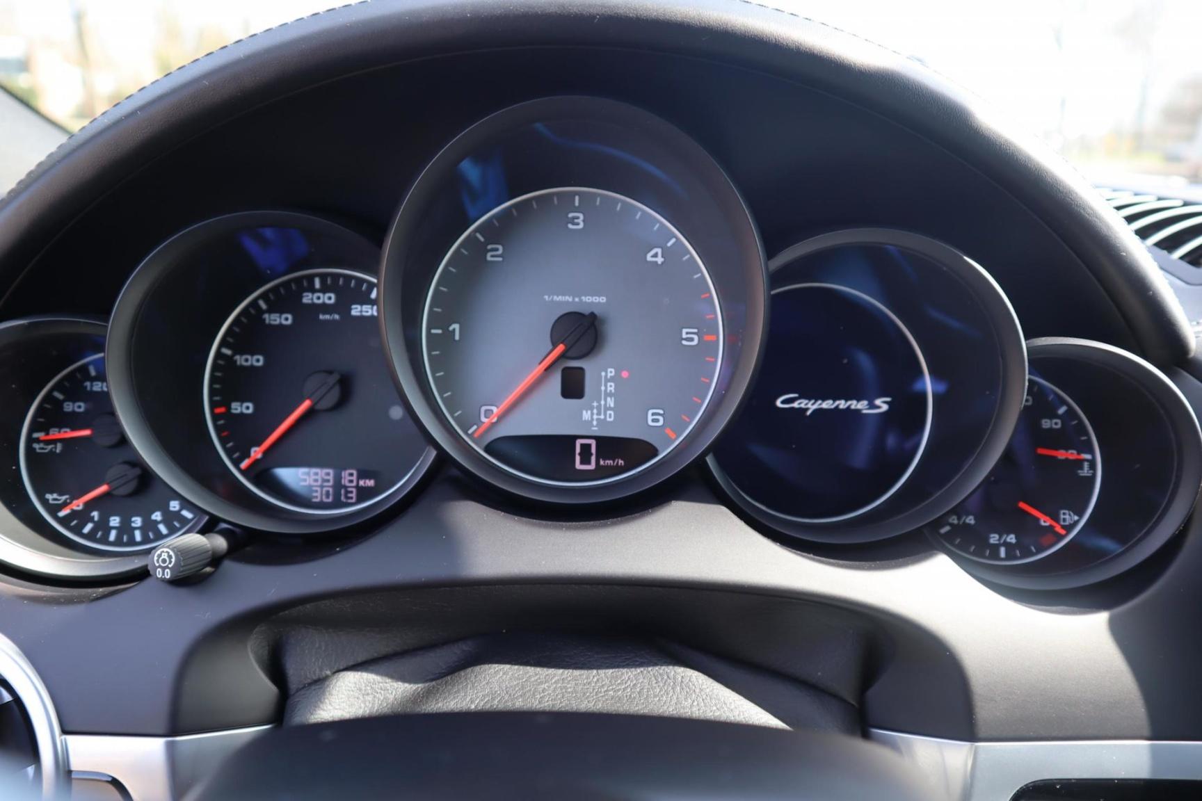 Porsche-Cayenne-46