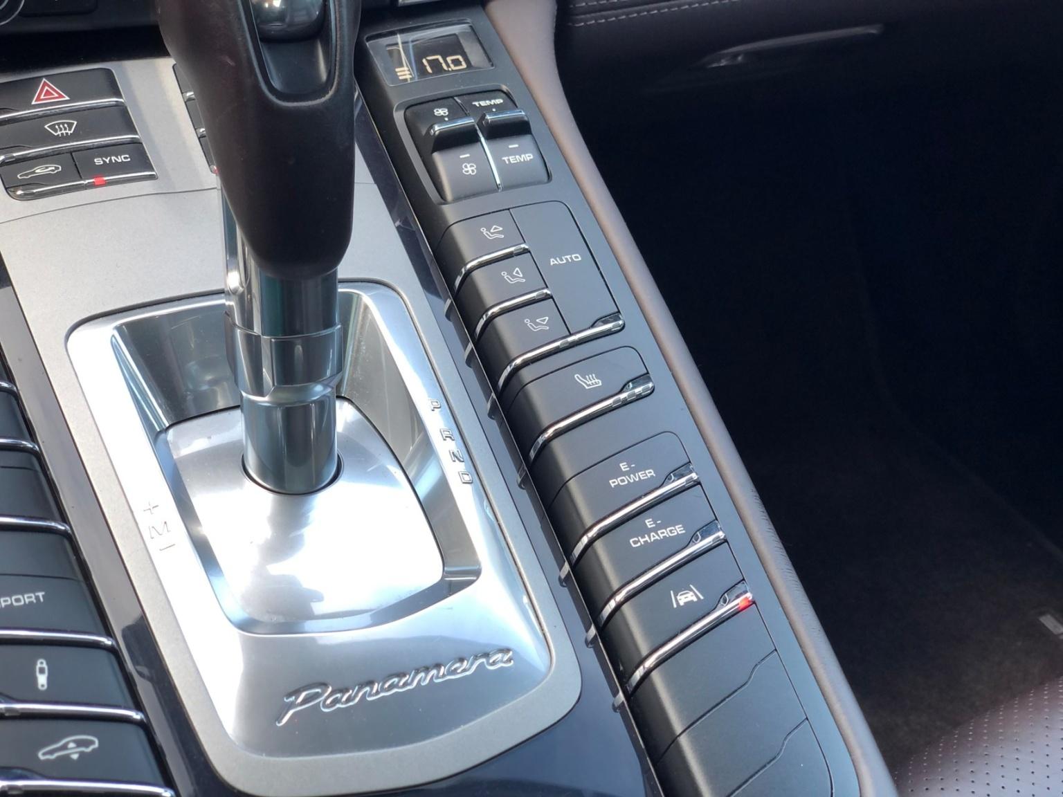 Porsche-Panamera-14
